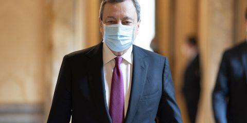 """PNRR, Draghi: """"Supervisione politica con ministri competenti"""". Le tappe dei progetti su Sanità e Pa digitale, banda ultralarga e 5G"""