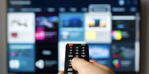 Bonus TV per tutti: si studia un incentivo da 100 euro e senza limiti di reddito