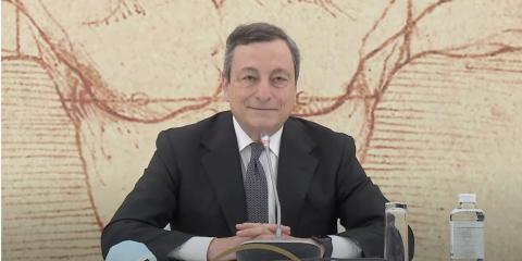 """Draghi: """"Il nostro green pass in vigore da metà di maggio"""". Ora consultare il Garante Privacy"""