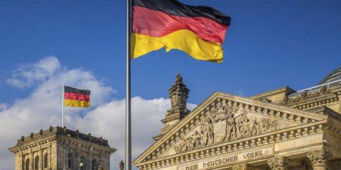 Deutsche Telekom a caccia di investitori per finanziare la fibra in Germania