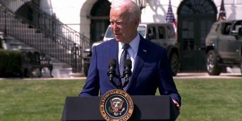 """Biden punta sulla decarbonizzazione: """"50% nuovi veicoli sarà elettrico entro il 2030"""""""