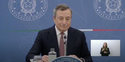 """Green pass. Draghi: """"Sarà esteso. Faremo una cabina di regia sui nuovi settori in cui introdurlo"""""""