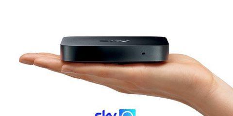 Sky Q, il mini box che si collega in ogni stanza della casa via Internet, senza parabola