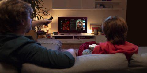 Vodafone, offerta bundle al via: rete fissa e a scelta Smart Tv, console o telecamere smart