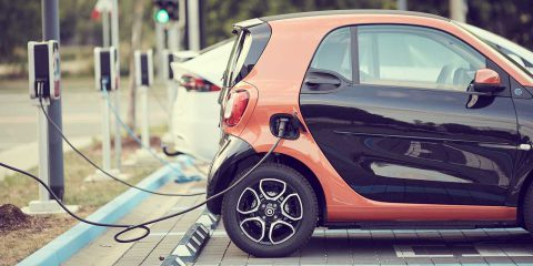 Auto elettriche, mercato europeo stimato a 855 miliardi di dollari entro il 2028